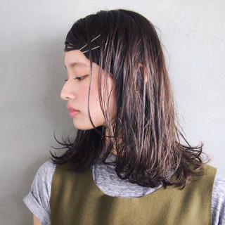 アッシュ ナチュラル ミディアム 外ハネ ヘアスタイルや髪型の写真・画像 ヘアスタイルや髪型の写真・画像