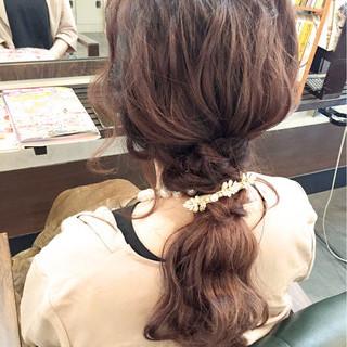 ゆるふわ ローポニーテール 大人かわいい ポニーテール ヘアスタイルや髪型の写真・画像