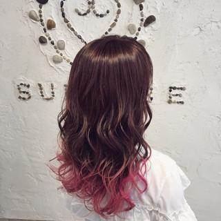 ウェットヘア ガーリー ウェーブ ピンク ヘアスタイルや髪型の写真・画像
