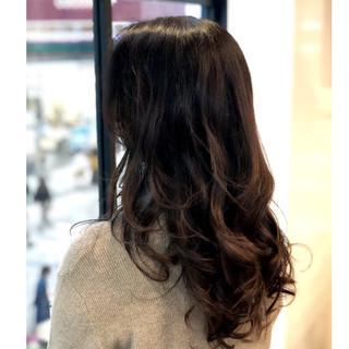 アンニュイほつれヘア ナチュラル ゆるふわ 透明感 ヘアスタイルや髪型の写真・画像