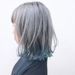シルバーアッシュ ブリーチ ゆるふわ ガーリー ヘアスタイルや髪型の写真・画像