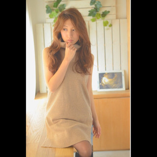 パーマ レイヤーカット コンサバ 大人かわいい ヘアスタイルや髪型の写真・画像