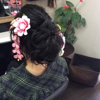 ヘアアレンジ ミディアム ナチュラル 成人式 ヘアスタイルや髪型の写真・画像