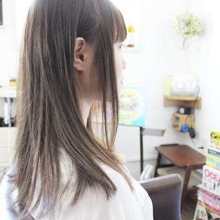 グレージュ アッシュベージュ 大人かわいい アッシュ ヘアスタイルや髪型の写真・画像 ヘアスタイルや髪型の写真・画像