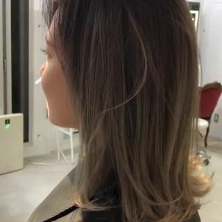 ブリーチ ミディアム グラデーションカラー ダブルカラー ヘアスタイルや髪型の写真・画像