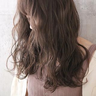 ロング ミルクティーベージュ 大人かわいい ナチュラル ヘアスタイルや髪型の写真・画像