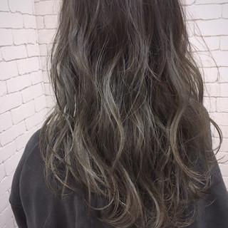 ハイライト ロング ナチュラル グラデーションカラー ヘアスタイルや髪型の写真・画像