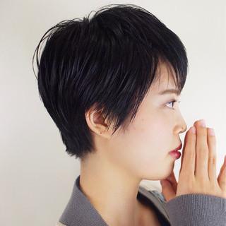 暗髪 モード ショート 前髪パッツン ヘアスタイルや髪型の写真・画像 ヘアスタイルや髪型の写真・画像