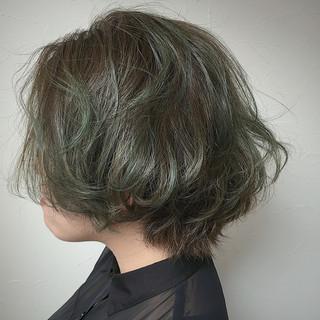 ガーリー 暗髪 アッシュ 外国人風 ヘアスタイルや髪型の写真・画像