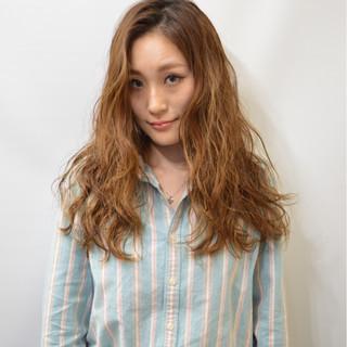 外国人風 ロング 大人かわいい 波ウェーブ ヘアスタイルや髪型の写真・画像