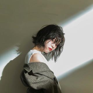 切りっぱなしボブ 透明感カラー ナチュラル ボブ ヘアスタイルや髪型の写真・画像