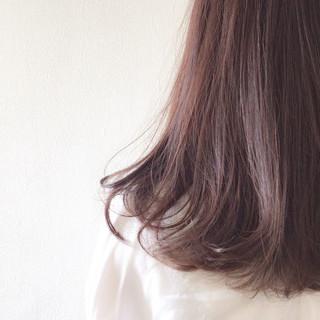 ラベンダー セミロング ラベンダーアッシュ 抜け感 ヘアスタイルや髪型の写真・画像