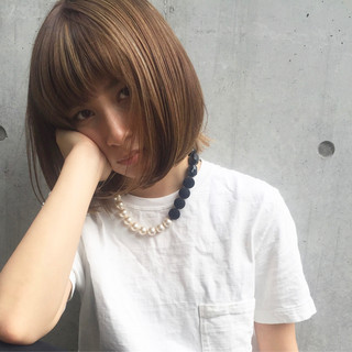 モード 斜め前髪 ハイライト ニュアンス ヘアスタイルや髪型の写真・画像