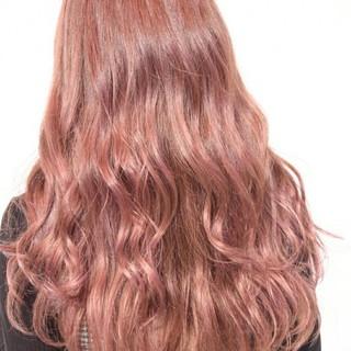 冬 ゆるふわ ピンク ロング ヘアスタイルや髪型の写真・画像