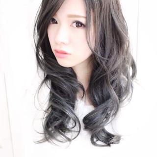 外国人風 ナチュラル スモーキーカラー グレージュ ヘアスタイルや髪型の写真・画像