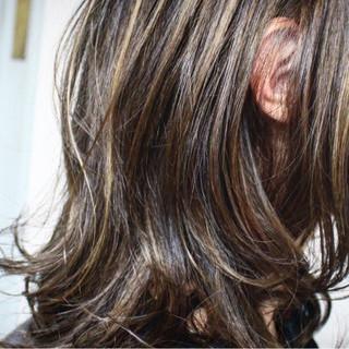 ナチュラル アッシュ ハイライト 外国人風 ヘアスタイルや髪型の写真・画像