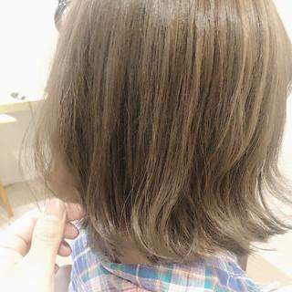アッシュグレージュ ノーブリーチ フェミニン グレージュ ヘアスタイルや髪型の写真・画像 ヘアスタイルや髪型の写真・画像