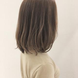 オフィス ナチュラル ベージュ 透明感 ヘアスタイルや髪型の写真・画像