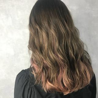 フェミニン グラデーションカラー セミロング ハイトーン ヘアスタイルや髪型の写真・画像