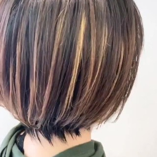 インナーカラー ナチュラル ショートボブ ハイライト ヘアスタイルや髪型の写真・画像