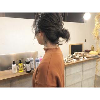 ボブ アンニュイほつれヘア ナチュラル 簡単ヘアアレンジ ヘアスタイルや髪型の写真・画像 ヘアスタイルや髪型の写真・画像