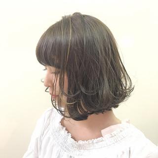 秋 簡単ヘアアレンジ エレガント アッシュ ヘアスタイルや髪型の写真・画像