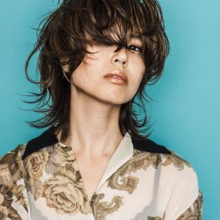 マッシュ 外ハネ ウルフカット モード ヘアスタイルや髪型の写真・画像 ヘアスタイルや髪型の写真・画像