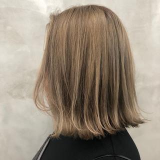 ダブルカラー ストリート ボブ ヌーディベージュ ヘアスタイルや髪型の写真・画像 ヘアスタイルや髪型の写真・画像