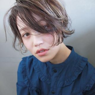 ラフ ショート ウェーブ パーマ ヘアスタイルや髪型の写真・画像