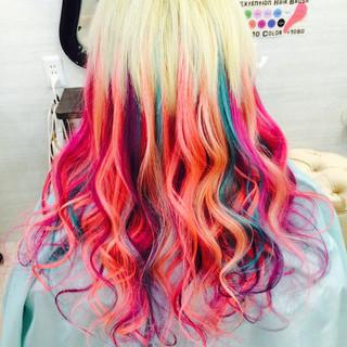 巻き髪 エクステ ストリート 個性的 ヘアスタイルや髪型の写真・画像