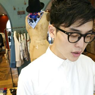 レイヤーカット モード メンズ 黒髪 ヘアスタイルや髪型の写真・画像