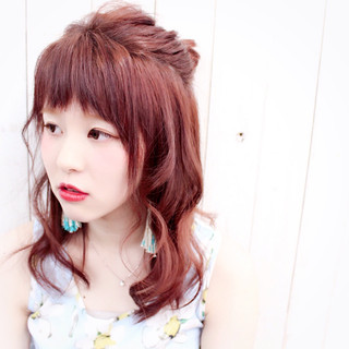 ショート レッド 簡単ヘアアレンジ セミロング ヘアスタイルや髪型の写真・画像