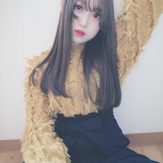 ナチュラルベージュ 外国人風フェミニン ロング シアーベージュ ヘアスタイルや髪型の写真・画像