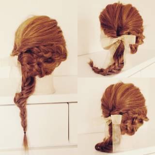 フィッシュボーン ヘアアレンジ 三つ編み ガーリー ヘアスタイルや髪型の写真・画像