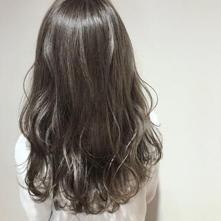 ハイトーン ナチュラル セミロング 透明感 ヘアスタイルや髪型の写真・画像 ヘアスタイルや髪型の写真・画像