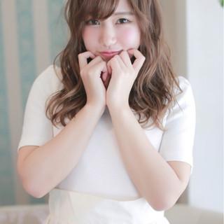 ワイドバング ガーリー 大人かわいい セミロング ヘアスタイルや髪型の写真・画像