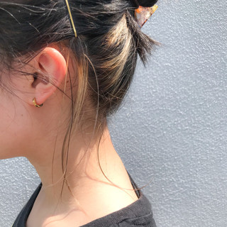 インナーカラー ショートボブ フェミニン 切りっぱなしボブ ヘアスタイルや髪型の写真・画像