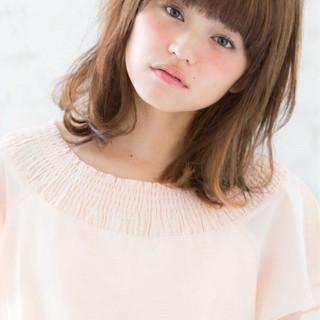 ミディアム レイヤーカット 前髪あり 大人女子 ヘアスタイルや髪型の写真・画像