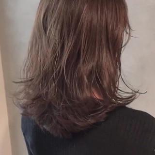デート アンニュイほつれヘア ミディアムヘアー 艶髪 ヘアスタイルや髪型の写真・画像