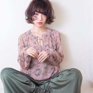 リラックス イルミナカラー ショート かわいい ヘアスタイルや髪型の写真・画像