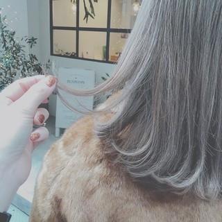 外ハネ デート 冬 フェミニン ヘアスタイルや髪型の写真・画像