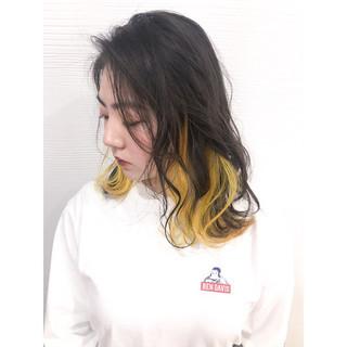 インナーカラー イエロー 春スタイル ロング ヘアスタイルや髪型の写真・画像