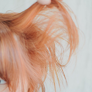 オレンジベージュ ヘアアレンジ ナチュラル アプリコットオレンジ ヘアスタイルや髪型の写真・画像