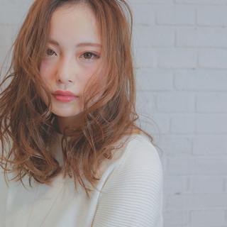 セミロング 外国人風 ニュアンス フェミニン ヘアスタイルや髪型の写真・画像