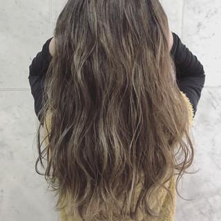ウェーブ 秋 外国人風 ロング ヘアスタイルや髪型の写真・画像
