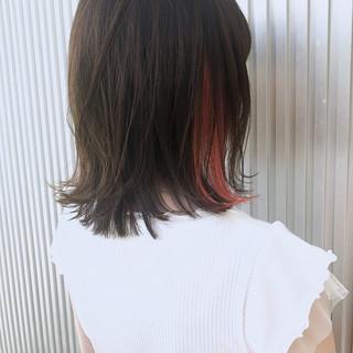 アッシュ 前髪あり ナチュラル ストレート ヘアスタイルや髪型の写真・画像