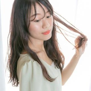ヘアアレンジ アンニュイほつれヘア ロング 前髪あり ヘアスタイルや髪型の写真・画像