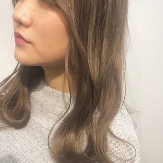 ミディアム フェミニン デート セクシー ヘアスタイルや髪型の写真・画像