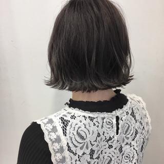 外ハネ 切りっぱなし グレージュ ナチュラル ヘアスタイルや髪型の写真・画像