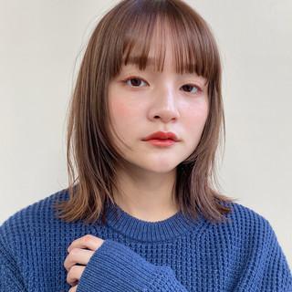 前髪あり ミディアム ぱっつん 外ハネ ヘアスタイルや髪型の写真・画像